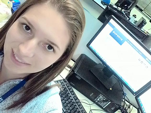 Menina do Computador da Semana