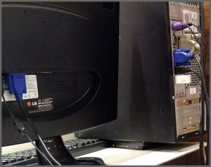 Flagra de Atendimento - Suporte para monitor do MacGyver