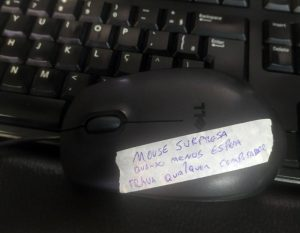 Mouse Surpresa - Flagras de Atendimento